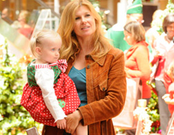 Tami Taylor with her baby, Gracie Taylor from Friday Night Lights