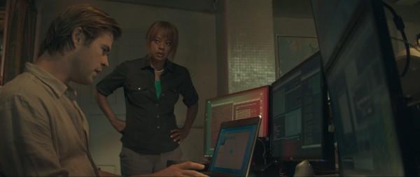 Screenshot of Chris Hemsworth and Viola Davis from Blackhat directed by Michael Mann