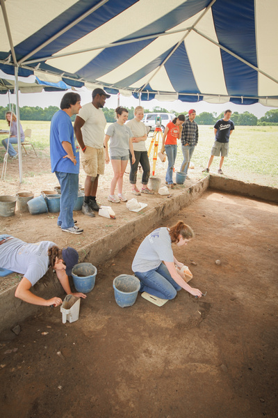 Archaeology_AD_81_120606-(ZF-0936-13924-1-004)