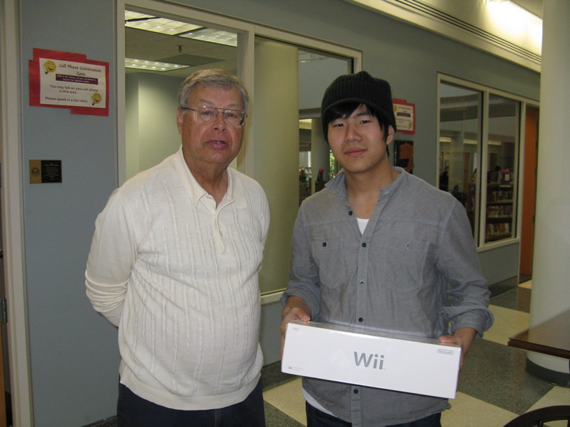 Quan Zhou and Dean of the Library, Wendell Barbour