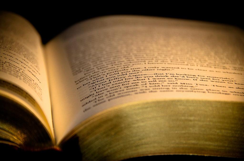 book-933234_1280